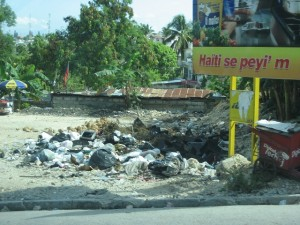 SRS is helping to clean up the streets of Por-au-Prince by paying bottle collectors for plastic.